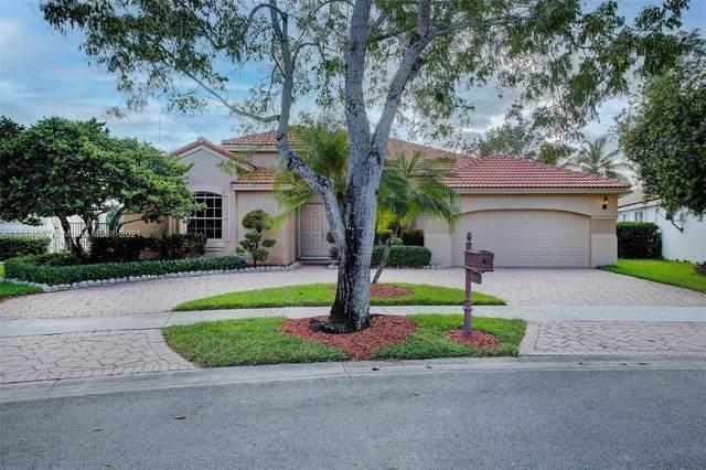 607 Lake Blvd, Weston, FL 33326 (MLS #A11114667) :: Green Realty Properties