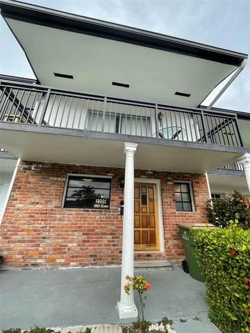 2209 NE 122nd St, North Miami, FL 33181 (MLS #A11115279) :: Green Realty Properties