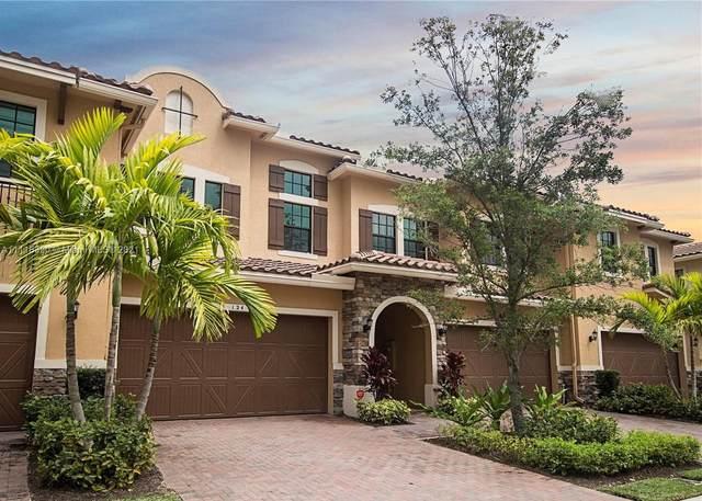 124 SW Sw 127th Ter, Plantation, FL 33325 (MLS #A11115390) :: Green Realty Properties