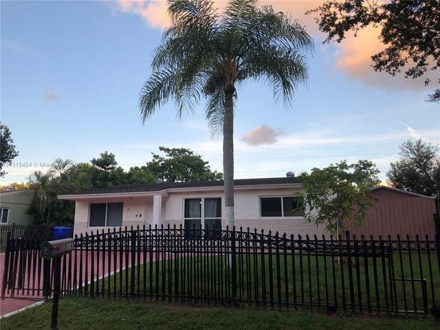 3321 N 72nd Way, Hollywood, FL 33024 (MLS #A11115424) :: Green Realty Properties