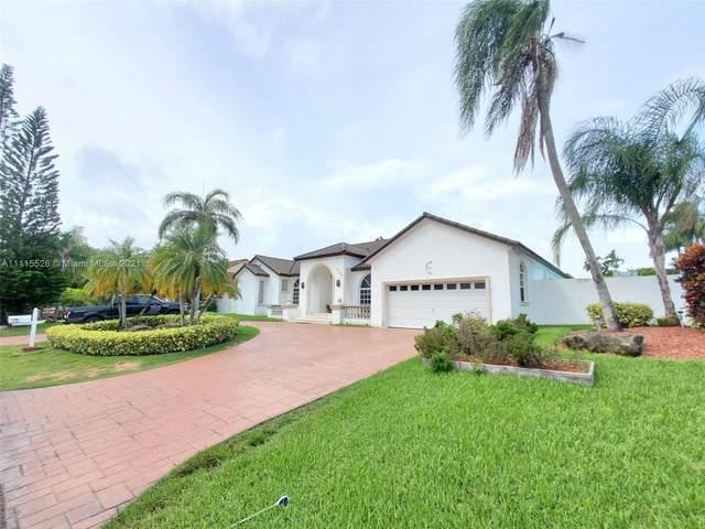 10705 SW 138th St, Miami, FL 33176 (MLS #A11115526) :: Lana Caron Group