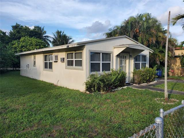 712 NW 1st St, Hallandale Beach, FL 33009 (MLS #A11115692) :: Equity Realty