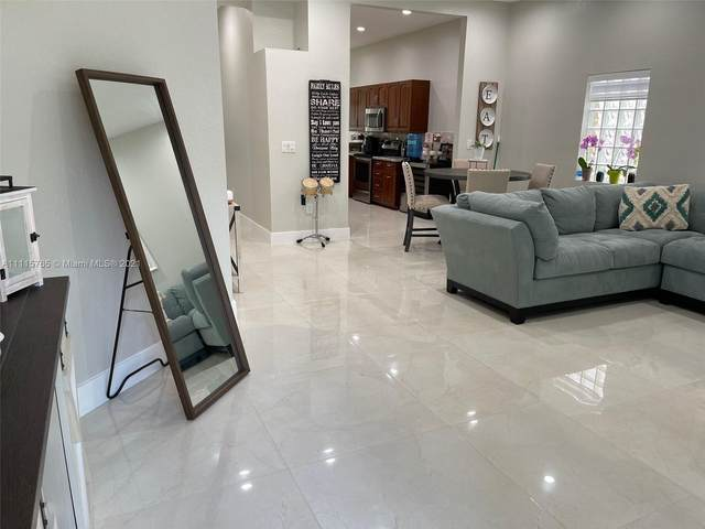 16300 Sapphire Pl, Weston, FL 33331 (MLS #A11115765) :: Rivas Vargas Group