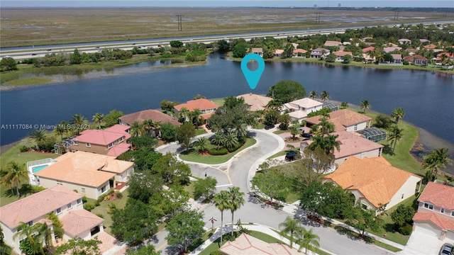 762 Heritage Dr, Weston, FL 33326 (MLS #A11117084) :: Patty Accorto Team