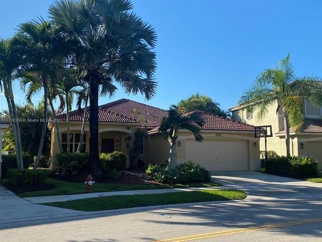 4293 Laurel Ridge Cir, Weston, FL 33331 (MLS #A11117200) :: GK Realty Group LLC