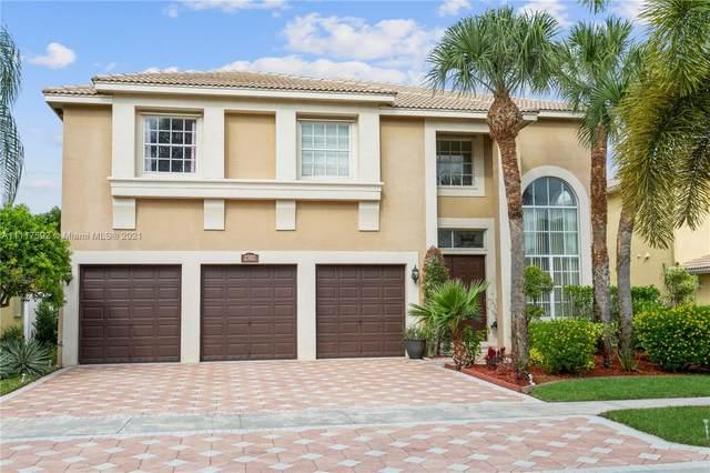 2302 Ridgewood Cir, Royal Palm Beach, FL 33411 (MLS #A11117592) :: Patty Accorto Team