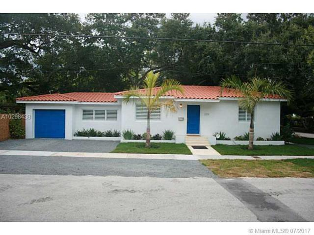 2301 Trapp Ave, Coconut Grove, FL 33133 (MLS #A10298438) :: The Teri Arbogast Team at Keller Williams Partners SW