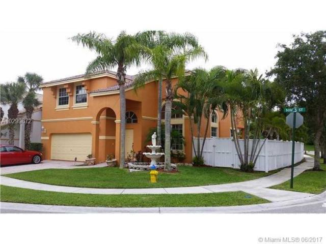 15622 NW 5th St, Pembroke Pines, FL 33028 (MLS #A10299672) :: The Chenore Real Estate Group