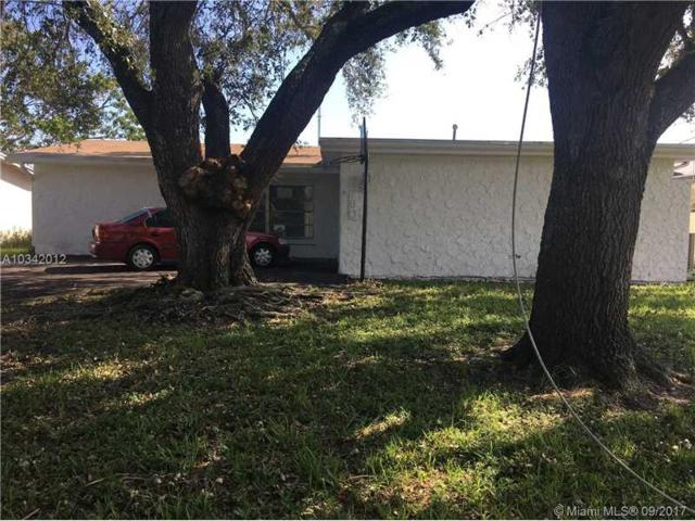 6760 Dogwood Dr, Miramar, FL 33023 (MLS #A10342012) :: Green Realty Properties