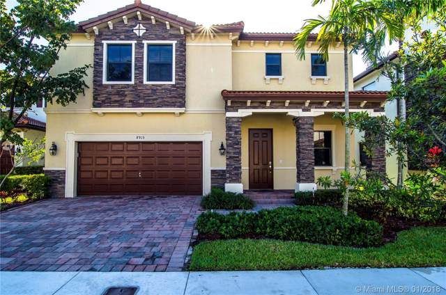 8915 NW 99th Ave, Doral, FL 33178 (MLS #A10395109) :: Podium Realty Group Inc