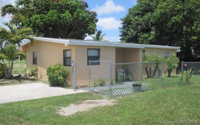 12055 SW 213th St, Miami, FL 33177 (MLS #A10568776) :: Lucido Global
