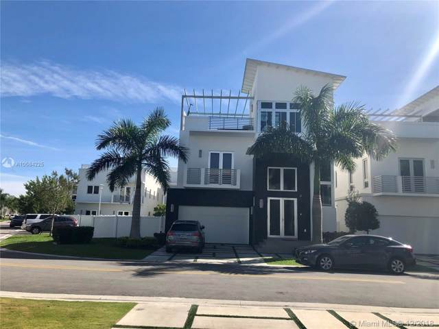 3453 NW 84th Ct, Doral, FL 33122 (MLS #A10584225) :: Albert Garcia Team