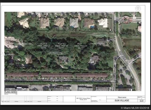 61 SW Ave, Davie, FL 33314 (MLS #A10637950) :: Laurie Finkelstein Reader Team