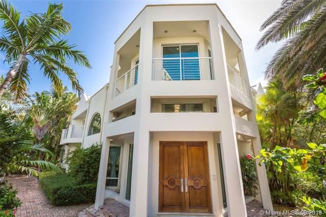 688 Ocean Blvd, Golden Beach, FL 33160 (MLS #A10652087) :: The Riley Smith Group