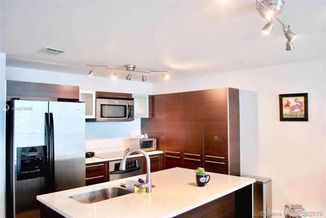 1900 N Bayshore Dr #3406, Miami, FL 33132 (MLS #A10675665) :: Berkshire Hathaway HomeServices EWM Realty