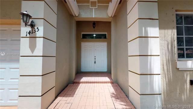 14135 SW 32nd St, Miramar, FL 33027 (MLS #A10704818) :: Grove Properties