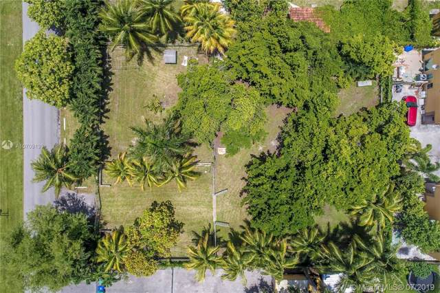 1316 NW 31st Ave, Miami, FL 33125 (MLS #A10709139) :: The Erice Group