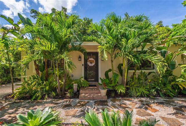 3721 Loquat Ave, Miami, FL 33133 (MLS #A10710384) :: Lucido Global
