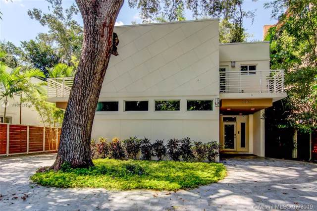 2592 Overbrook St, Coconut Grove, FL 33133 (MLS #A10713195) :: Prestige Realty Group