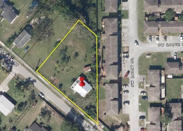 14201 Henderson St, Naranja, FL 33032 (MLS #A10719271) :: Grove Properties
