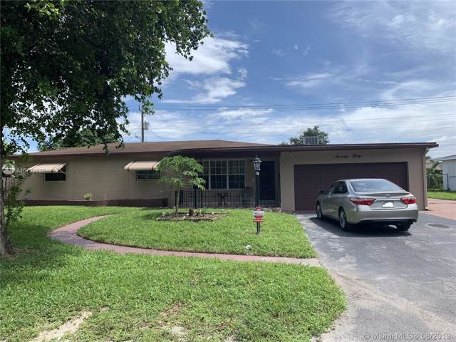 7030 SW 15th St, Pembroke Pines, FL 33023 (MLS #A10722735) :: The Rose Harris Group