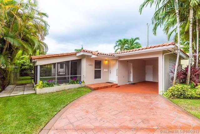 1260 Venetia Ave, Coral Gables, FL 33134 (MLS #A10728440) :: Grove Properties