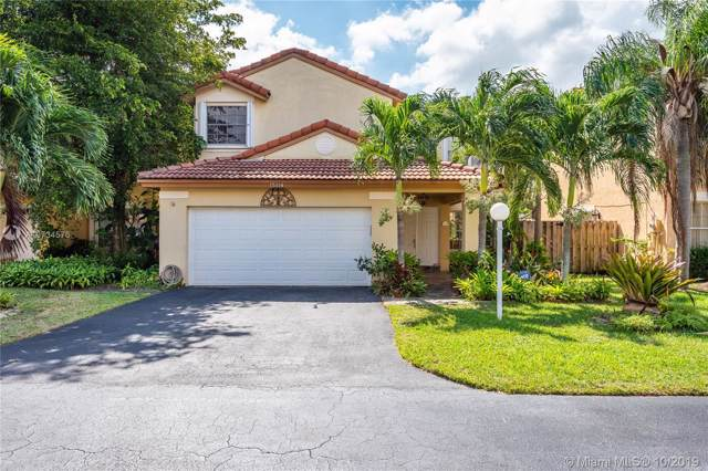 15114 SW 110 Ter, Miami, FL 33196 (MLS #A10734576) :: Ray De Leon with One Sotheby's International Realty