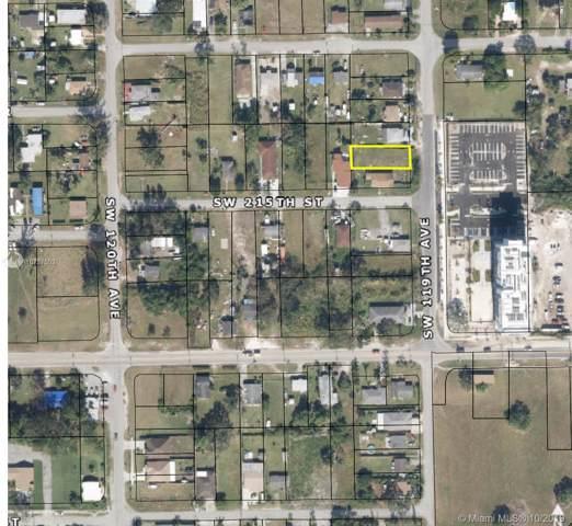 215 SW 119 Avenue, Miami, FL 33170 (MLS #A10737503) :: Grove Properties