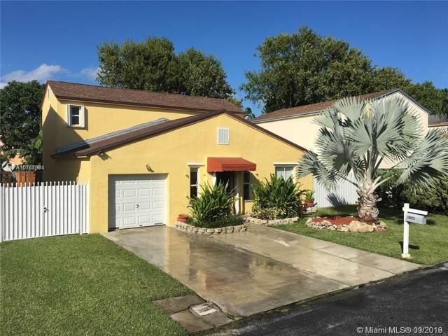 11925 SW 274th St, Homestead, FL 33032 (MLS #A10737934) :: Grove Properties