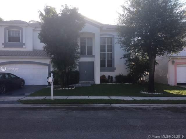 926 SW 102nd Ter, Pembroke Pines, FL 33025 (MLS #A10739037) :: Grove Properties