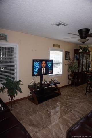 515 Colonial Road, West Palm Beach, FL 33405 (MLS #A10740921) :: Laurie Finkelstein Reader Team