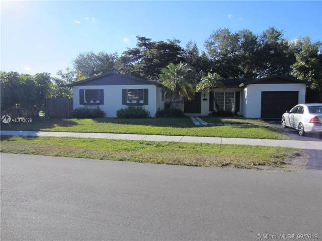 10980 SW 107 Ave, Miami, FL 33176 (MLS #A10743098) :: The Riley Smith Group