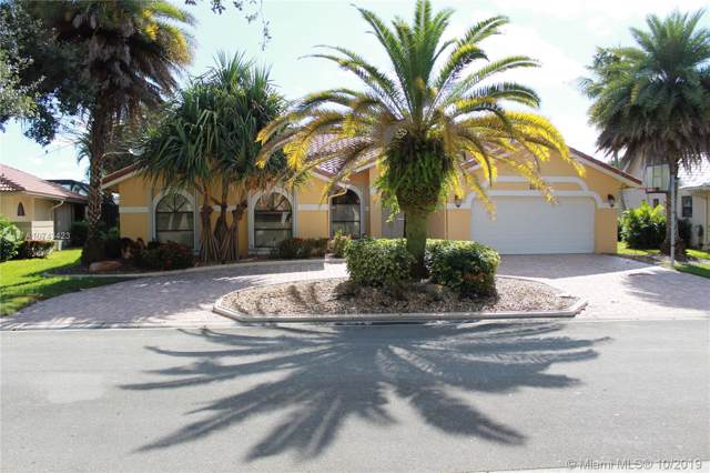5241 NW 89th Dr, Coral Springs, FL 33067 (MLS #A10743423) :: Castelli Real Estate Services