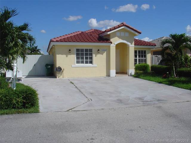 15049 SW 138th Ter, Miami, FL 33196 (MLS #A10745783) :: Laurie Finkelstein Reader Team
