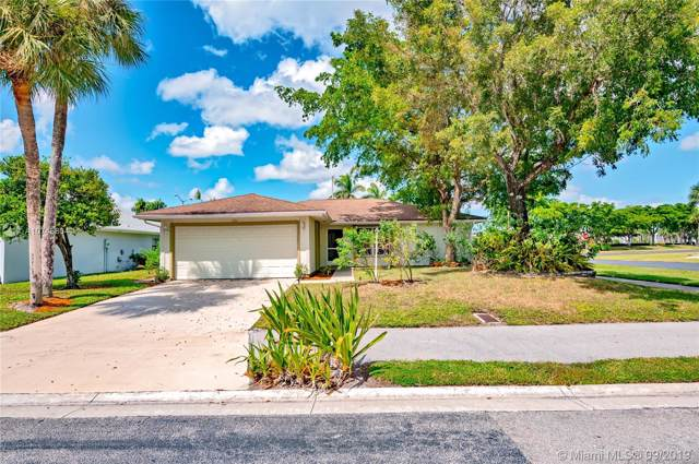 1201 Pine Sage Cir, West Palm Beach, FL 33409 (MLS #A10745804) :: Laurie Finkelstein Reader Team