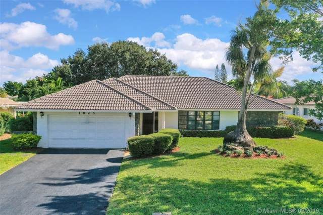 1025 NW 83rd Dr, Coral Springs, FL 33071 (MLS #A10746054) :: Berkshire Hathaway HomeServices EWM Realty