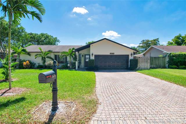 9576 NW 27th Ct, Coral Springs, FL 33065 (MLS #A10746155) :: Castelli Real Estate Services