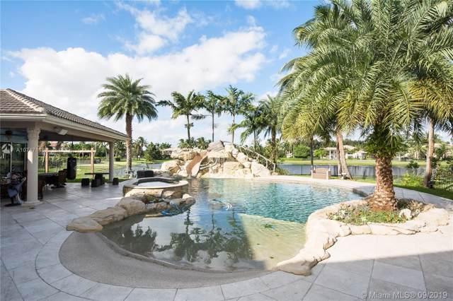 10445 Canterbury Ct, Davie, FL 33328 (MLS #A10747118) :: Grove Properties