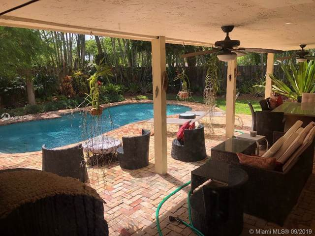 10900 SW 116th Ave, Miami, FL 33176 (MLS #A10747289) :: Laurie Finkelstein Reader Team