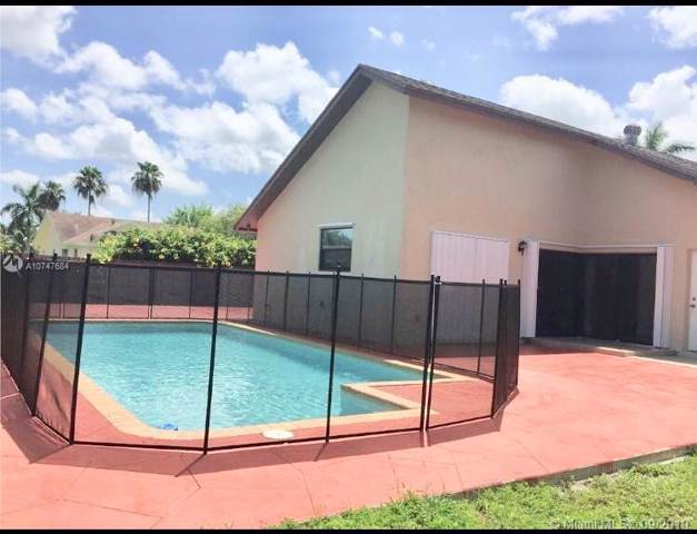 13569 SW 285th Ter, Homestead, FL 33033 (MLS #A10747684) :: Berkshire Hathaway HomeServices EWM Realty
