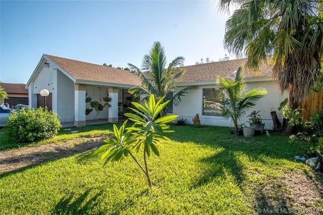 15726 SW 112th Pl, Miami, FL 33157 (MLS #A10748826) :: Green Realty Properties
