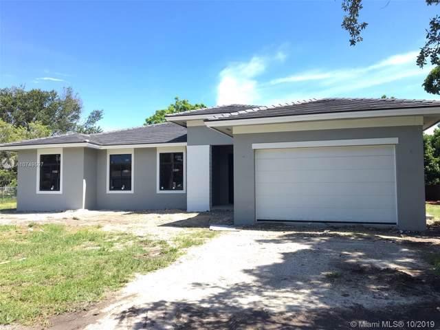 9340 SW 177th St, Palmetto Bay, FL 33157 (MLS #A10749597) :: The Kurz Team