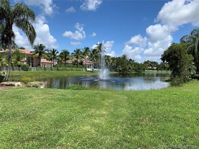 632 SW Enclave Cir, Pembroke Pines, FL 33027 (MLS #A10750049) :: Albert Garcia Team