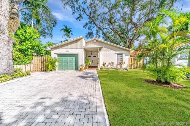 5721 SW 42nd St, South Miami, FL 33155 (MLS #A10752885) :: The Kurz Team