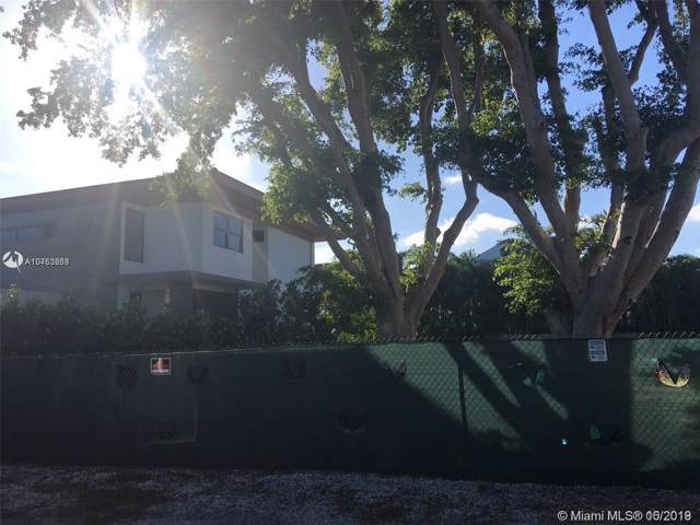 245 Buttonwood Dr, Key Biscayne, FL 33149 (MLS #A10753268) :: Ray De Leon with One Sotheby's International Realty