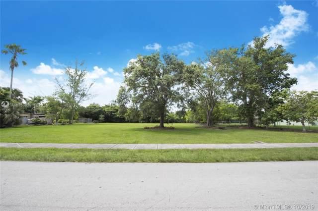 7750 SW 117 St, Pinecrest, FL 33156 (MLS #A10753829) :: Grove Properties
