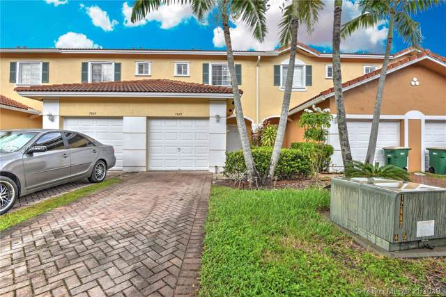 7923 N Tuscany Dr, Tamarac, FL 33321 (MLS #A10754229) :: Berkshire Hathaway HomeServices EWM Realty