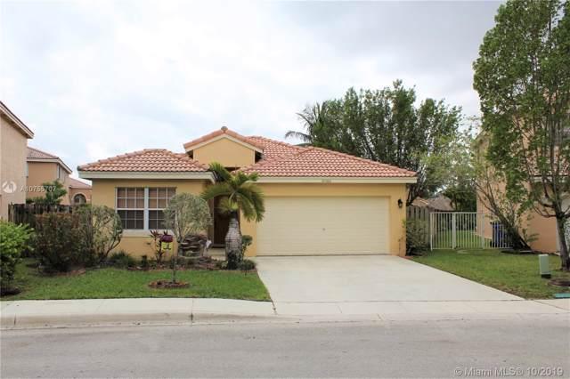 10560 SW 14th St, Pembroke Pines, FL 33025 (MLS #A10755707) :: Grove Properties