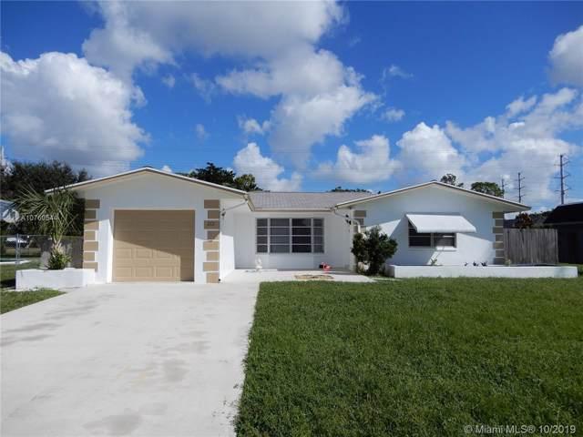 212 Sandpiper Ave, Royal Palm Beach, FL 33411 (MLS #A10760544) :: Albert Garcia Team