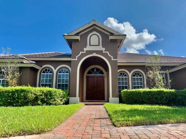 2800 E Jockey Cir E, Davie, FL 33330 (MLS #A10768425) :: Berkshire Hathaway HomeServices EWM Realty